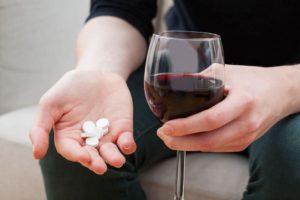 Алкоголь и Анаприлин: совместимость, механизм действия, передозировка, снижает ли давление при похмелье