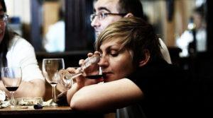 Латентный алкоголик, латентный алкоголизм - кто это, признаки и лечение
