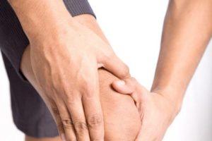 Алкоголь и суставы: почему болят колени после употребления пива, влияние алкоголя на кости