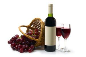 Какую пользу и какой вред таит в себе красное вино