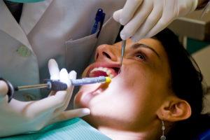 Можно ли пить алкоголь после удаления зуба: через сколько дней можно после лечения зубов, анестезии