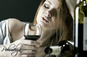 Винный алкоголизм, у женщин, симптомы и последствия
