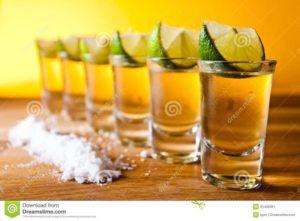 Как правильно пить текилу с солью и лимоном или лаймом