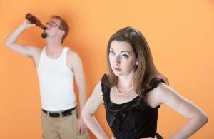 Как вести себя с алкоголиком: советы психолога