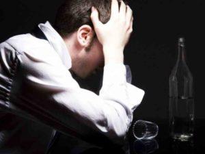 Как помочь алкоголику бросить пить – пути решения вечной проблемы