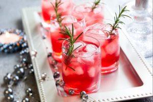 Алкогольные напитки на Новый 2018 год. 35 рецептов приготовления коктейлей с водкой к новогоднему столу