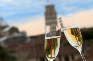 Калорийность шампанского. Описание самых популярных видов напитка