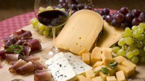 С чем пьют шампанское: блюда, фрукты, сочетаются, закуски скорую руку