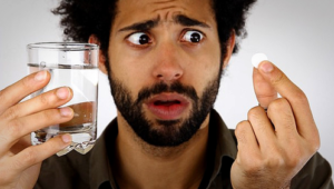 Совместимость Алпразолама и алкоголь, можно ли совмещать с алкоголем Алпразолам