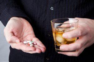 Опасность смешивания алкоголя со снотворными
