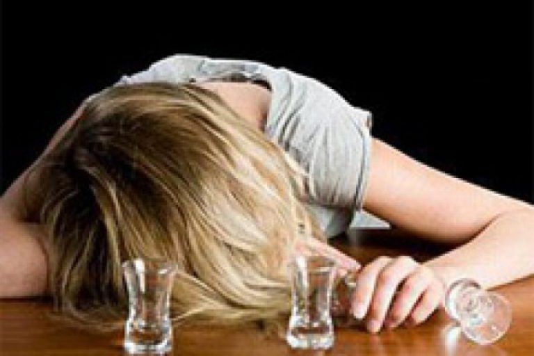 Как лечить женский алкоголизм в домашних условиях